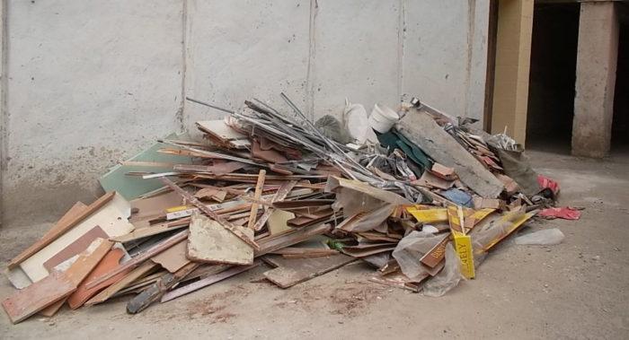 как убрать строительный мусор из квартиры (правила уборки строительного мусора в мкд)