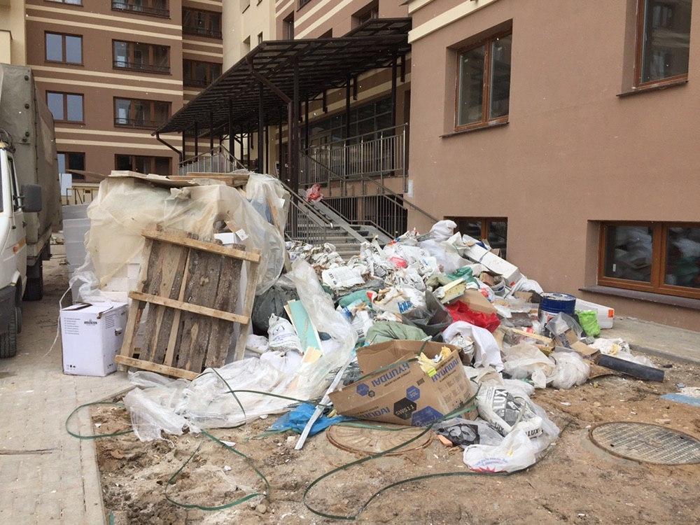 как убрать, заказать вывоз строительного мусора из квартиры