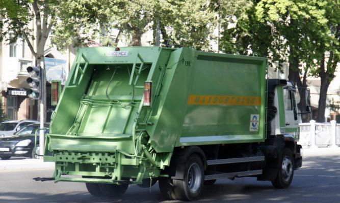 Как начисляется сумма оплаты за вывоз мусора: нормативы расчета