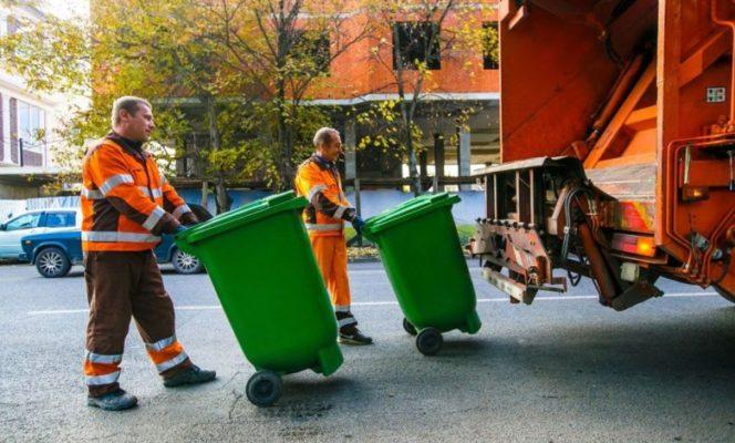 Как платят за услуги вывоза мусора жители квартирных домов