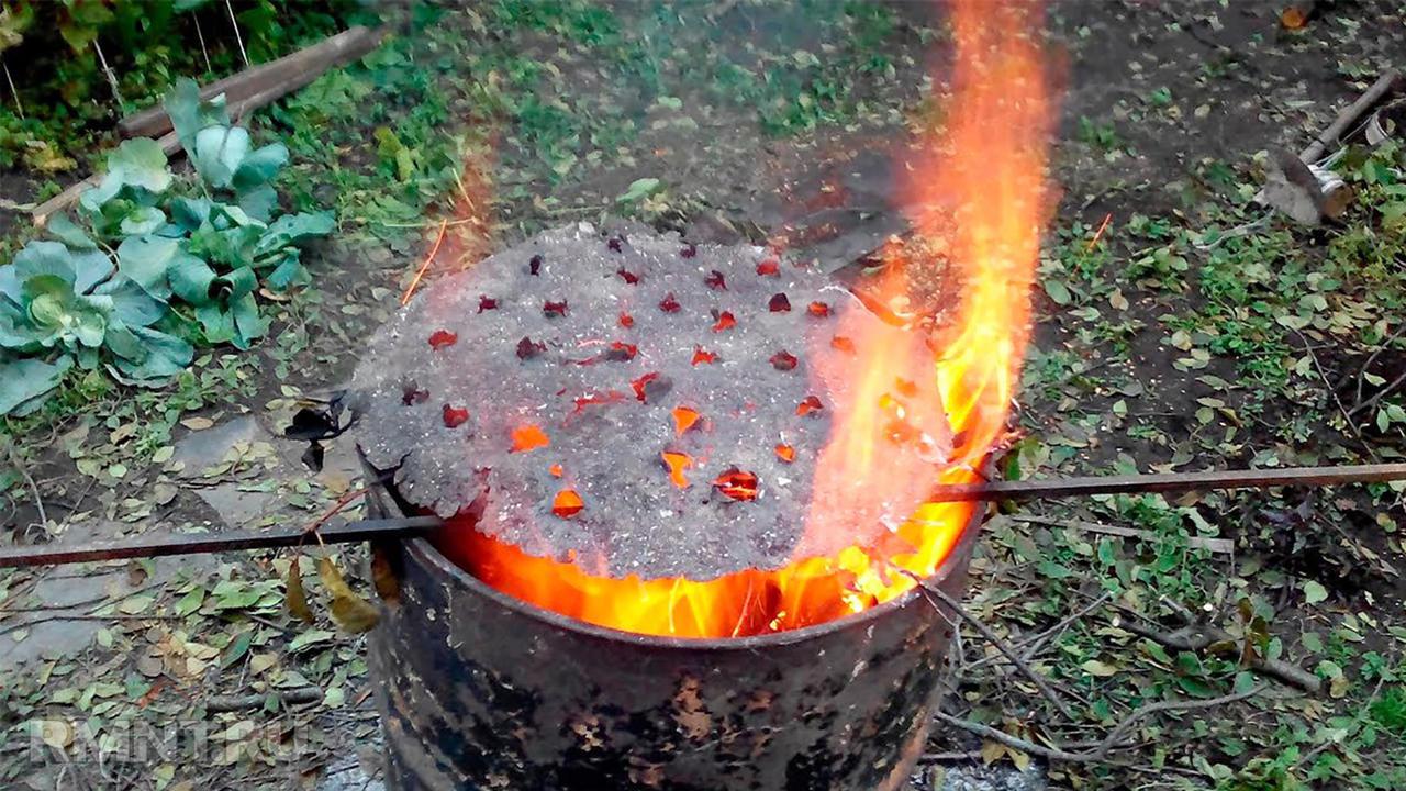 как сжечь мусор в огороде без дыма