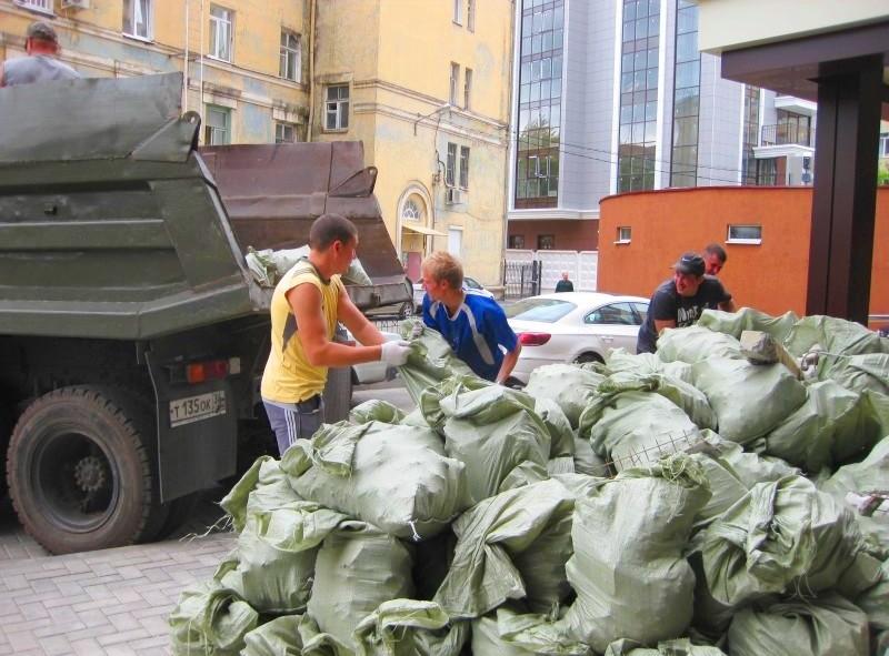 Как правильно вывозить строительный мусор из квартиры
