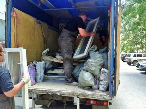 кто обязан должен заключать договор на вывоз мусора